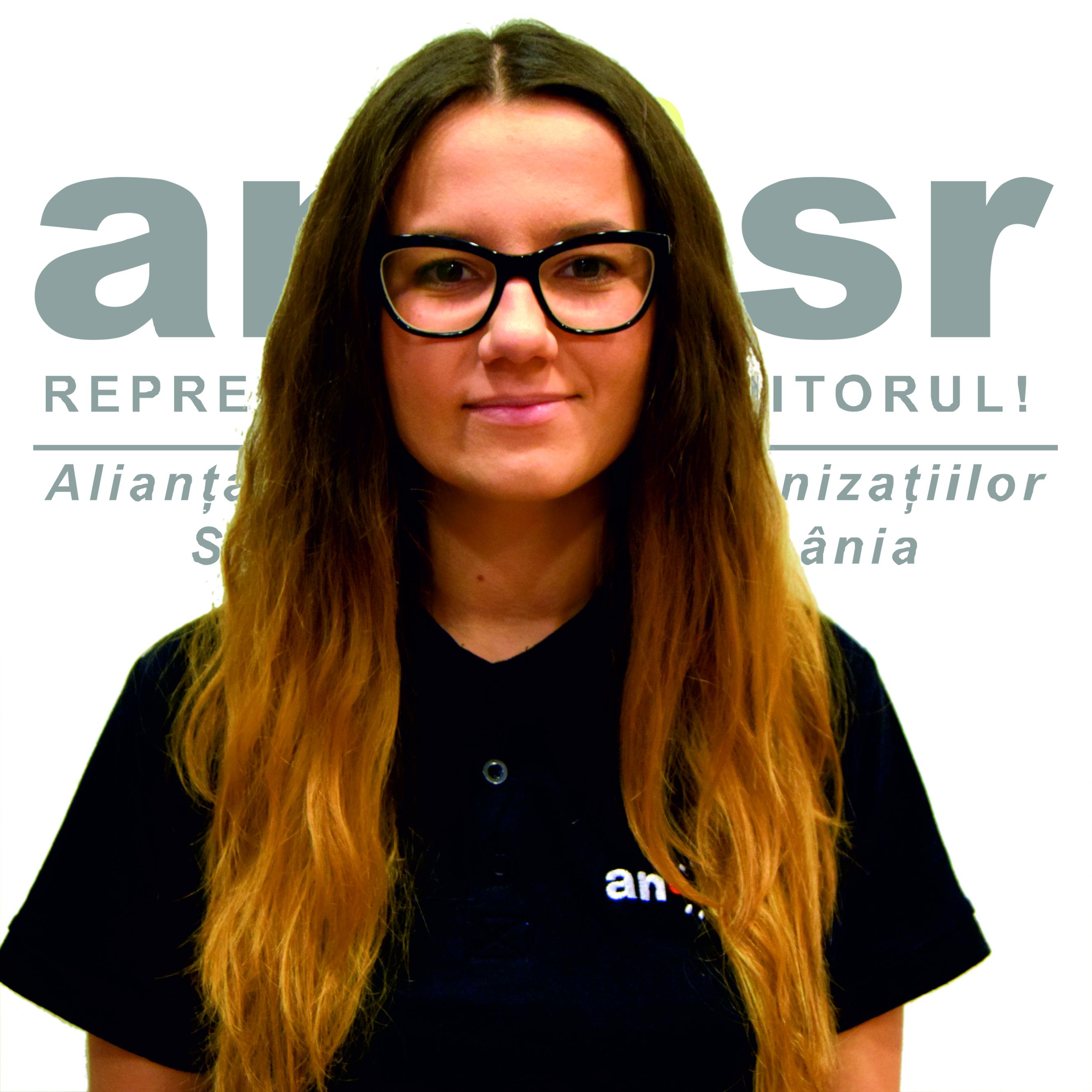 Vicepreședinte Educațional Iulia Pop